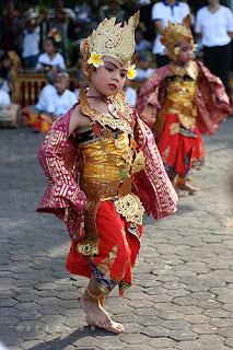 Manuk Rawa Dance