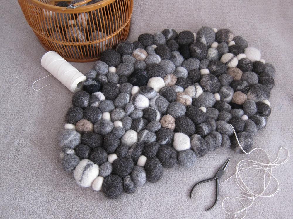 tabatawolle freie anleitung filz steinteppich. Black Bedroom Furniture Sets. Home Design Ideas