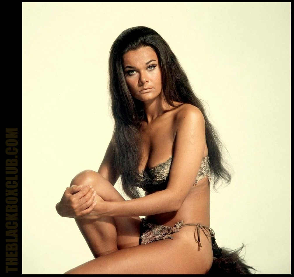 Women Wearing Revealing Warrior Outfits - Page 14 WHEN+DINOSAURS+RULED+BLACKBOXCLUB+VETRI+26