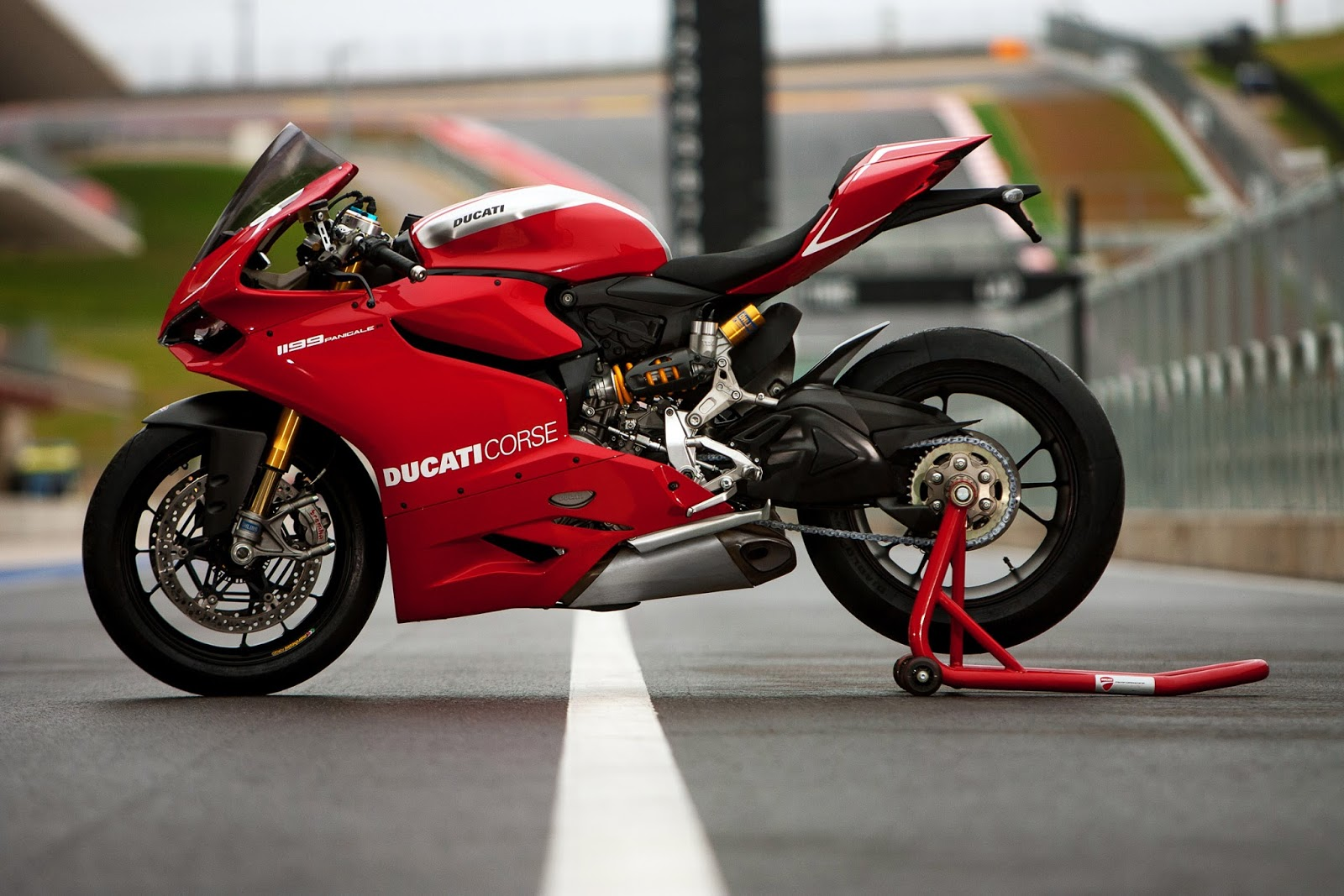 racing caf ducati 1199 panigale r 2013. Black Bedroom Furniture Sets. Home Design Ideas