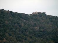 Imatge obtinguda amb teleobjectiu del Castell de Boix o de Taradell des de la Collada de Mansa
