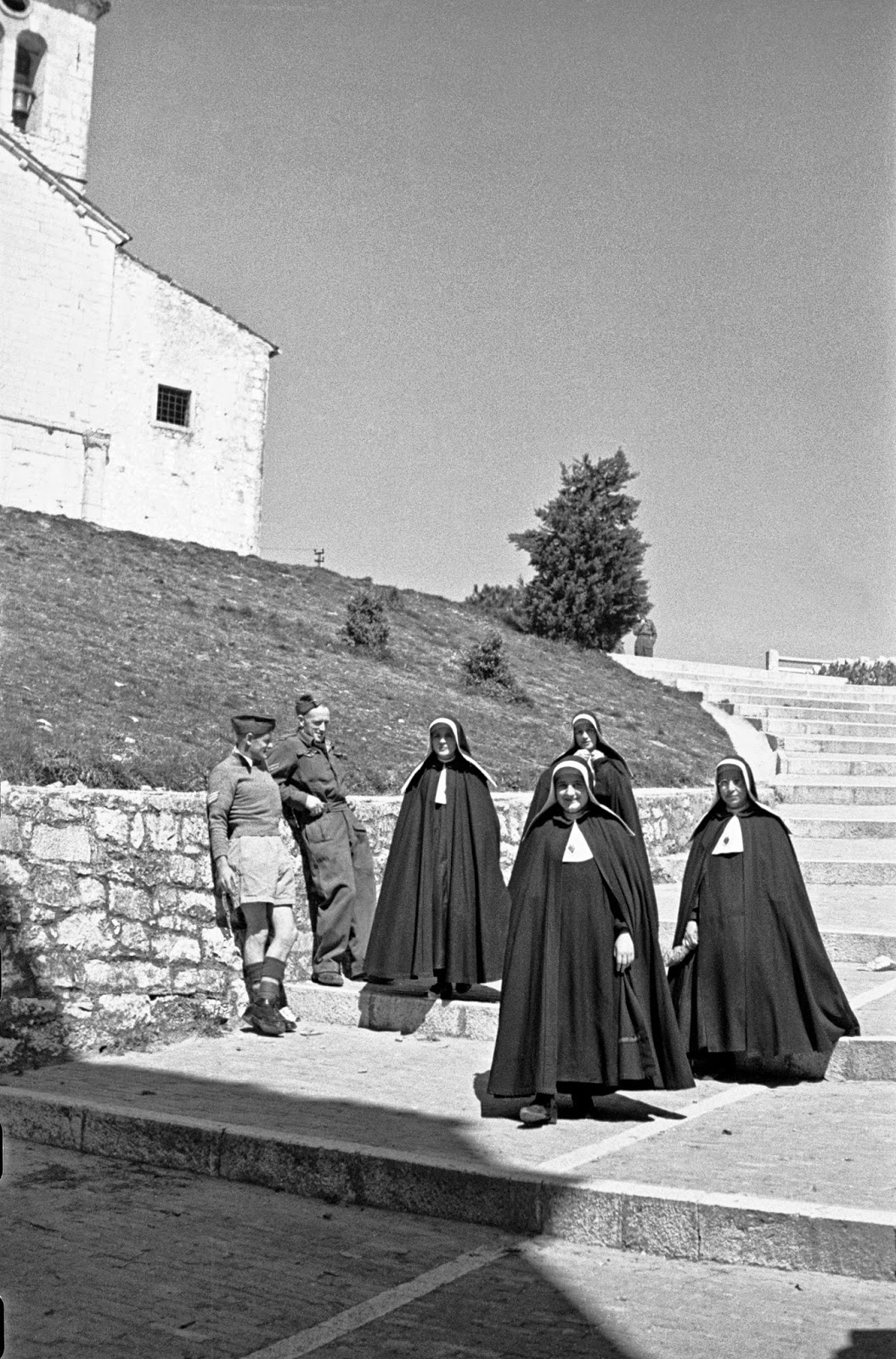 Campobasso Italy  city photo : Graham and R J Richardson watch passing nuns on steps
