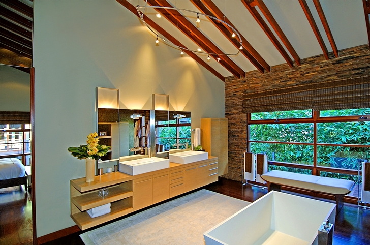 Upper floor bathroom in Calvin Harris's new celebrity house
