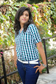 Liza reddy glam pix in jeans-thumbnail-8