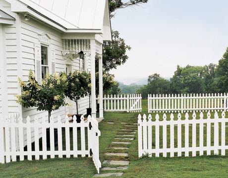 White Picket Fence White Ironstone Cottage