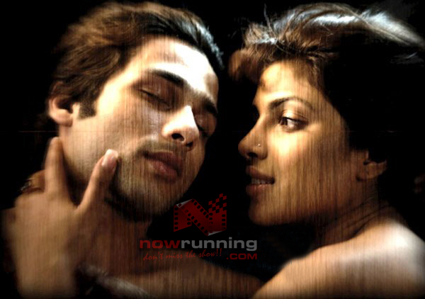Priyanka Chopra Kissing Shahid Kapoor