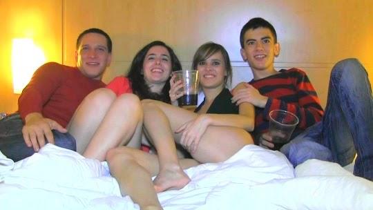 Imagen Fakings, Fieston! la noche más loca de la pandilla, Ainara y Dafne
