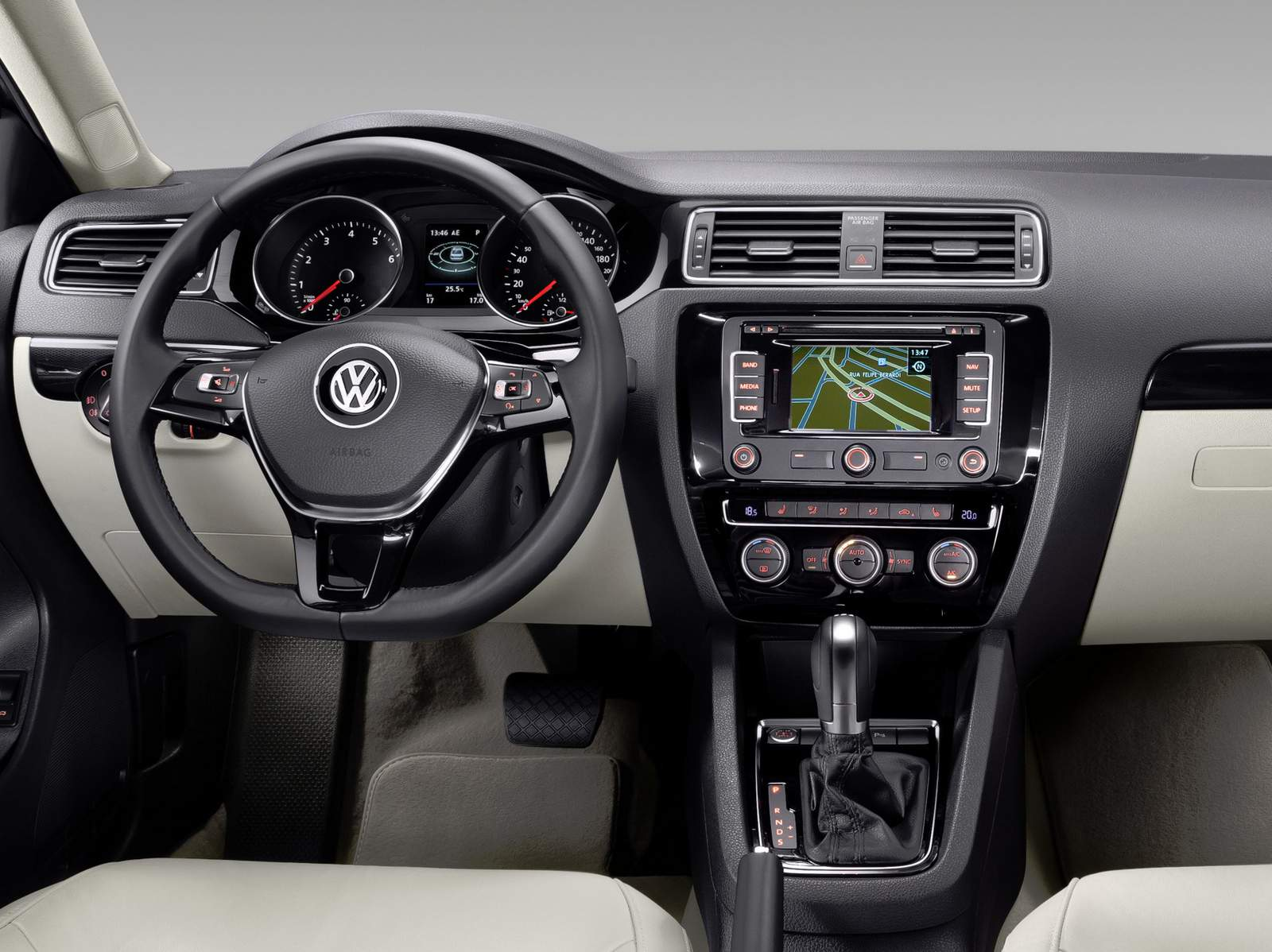 VW Jetta 2015 Highline - interior