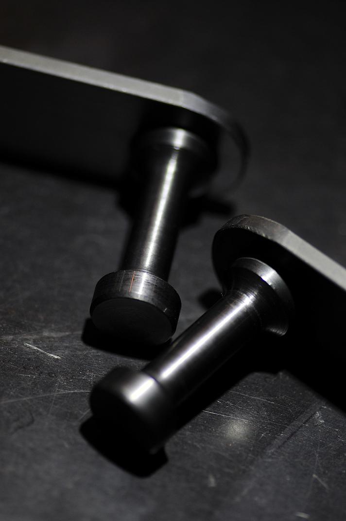素材は一級品でしかも職人のハンドメイドで製作されています。