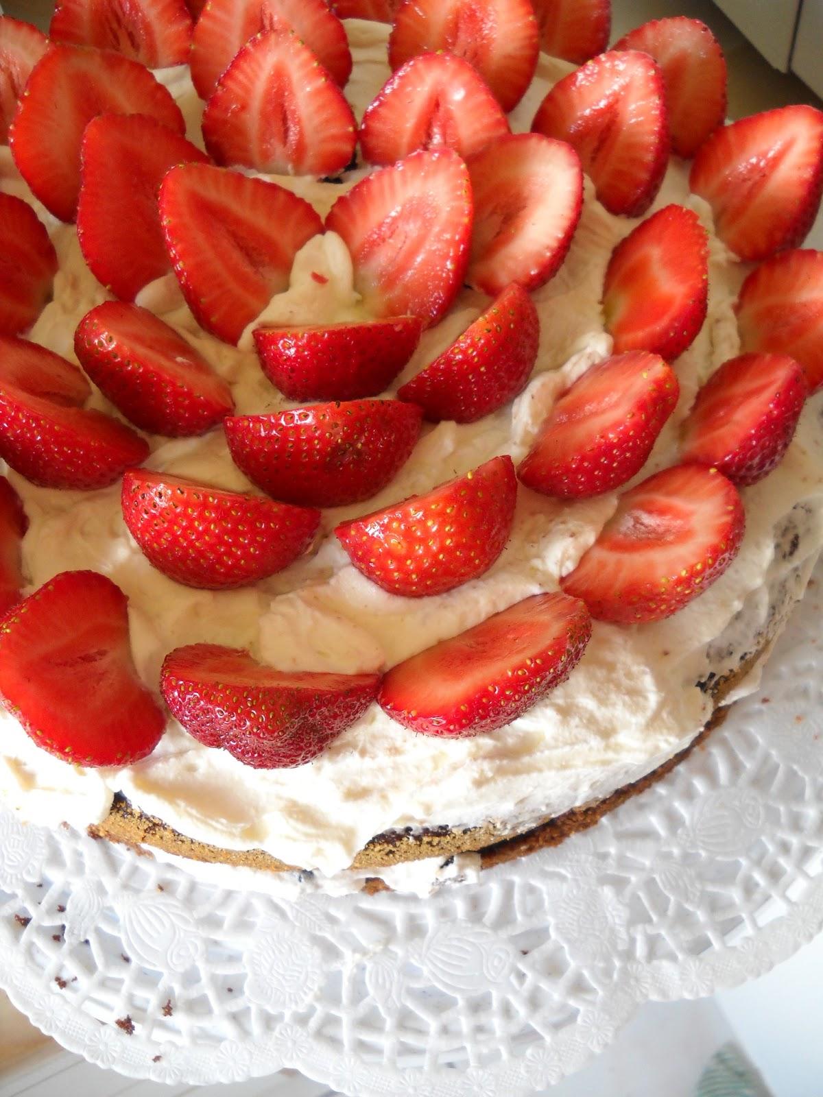 strawberry cake summer cake