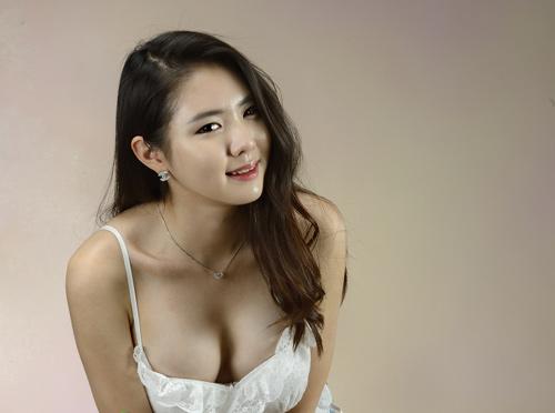 Hot Girls Bưởi To vẻ đẹp nóng bỏng nhất của mỹ nhân đường đua 9x xứ hàn 4