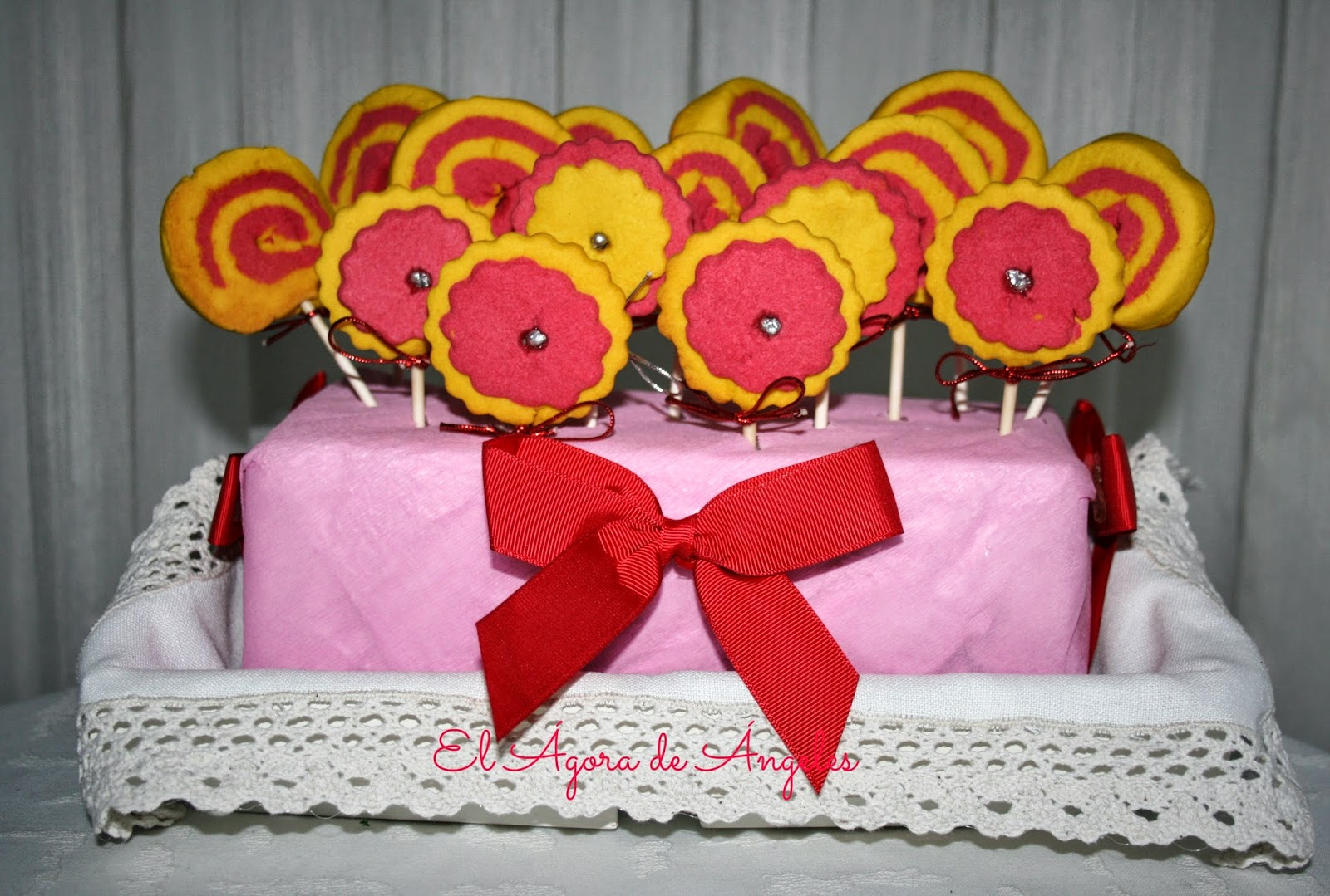 piruletas de galleta,galletas de mantequilla, galletas espiral, cumpleaños