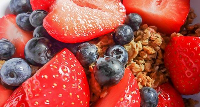 Heidelbeeren- Erdbeeren Müsli