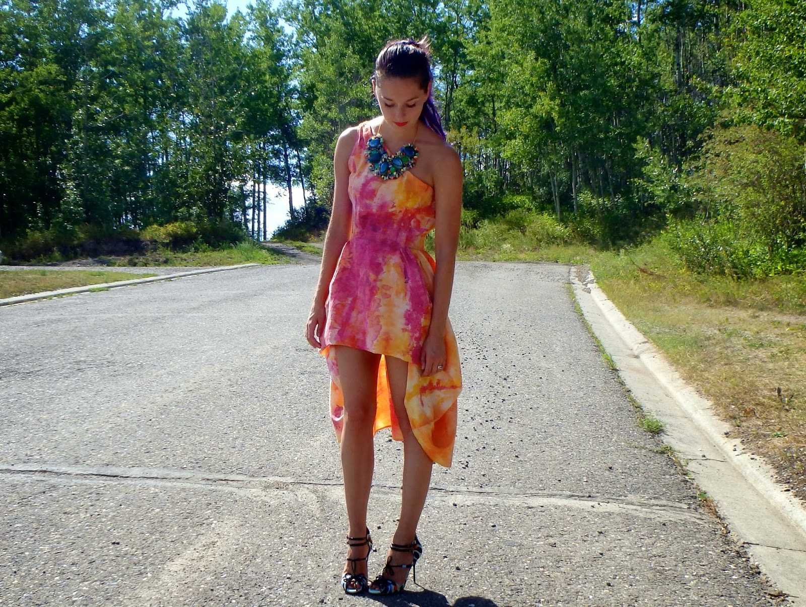 Bright Dress, One Shoulder Dress, Printed Shoes, Bib Necklace
