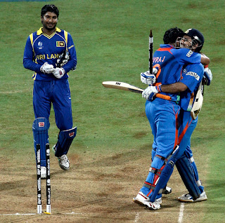 Kumar Sangakkara disappointed as MS Dhoni and Yuvraj Singh snatched the trophy from them, India vs Sri Lanka, The Final, ICC Cricket World Cup 2011, Mumbai, April 2, 2011