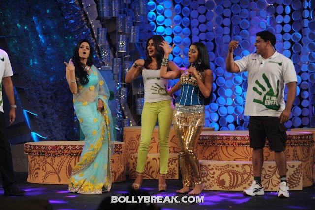 - Sridevi, Priyanka Chopra & Shweta Tiwari at Greenathon 2012.