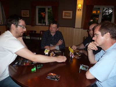 King of Tokyo - Stephane explaining the game to the other players