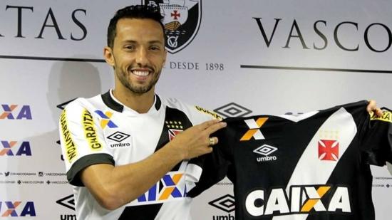 Nenê chega no Vasco e Eurico festeja confiança do meia em 'ganhar do Flamengo'