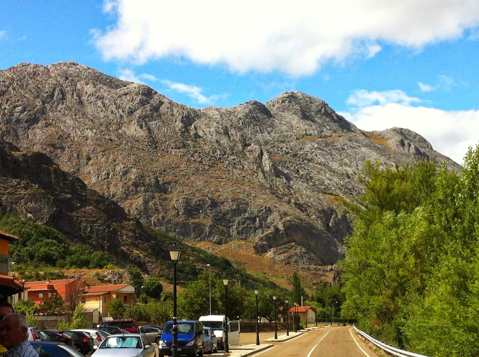 Restaurante-LasRocas-Vegacervera-Leon-Vegacervera-Montaña