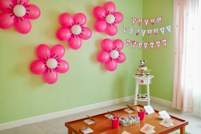 Simple and easy birthday party balloon decorations for Balloon decoration ideas for 1st birthday party