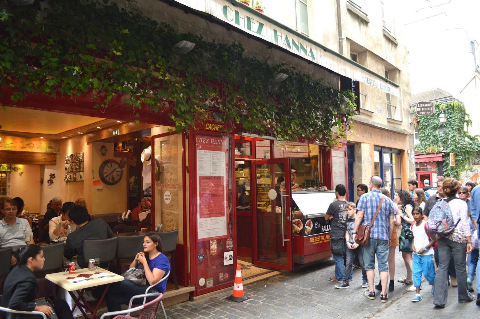 Paris cheap eats, best falafel Chez Hanna, lunch food