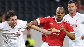 Manchester United Legends vs Liverpool Legends 4-2 Video Gol