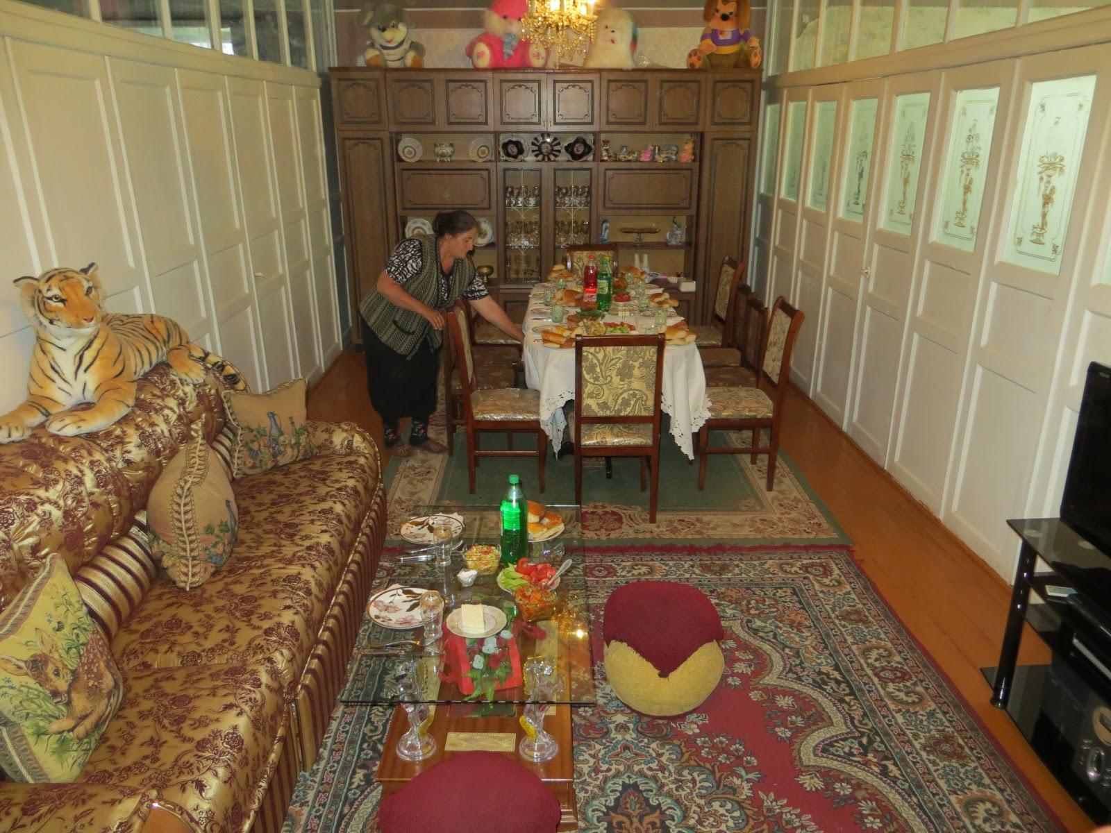 Tanjan matkamittari Ruokamuistoja Jerevanista  kaukasialaisen keittiön anti