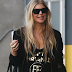 Fergie é vista deixando estúdio em Los Angeles