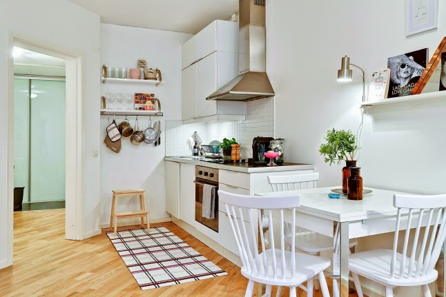 Cocinas blancas grandes peque as en l o en u modernas y cl sicas boho deco chic - Cocinas pequenas blancas ...