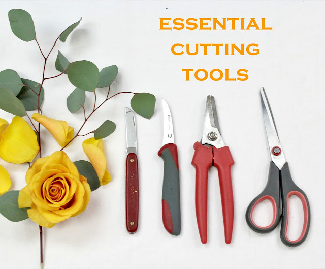 tools of the trade for florists via periwinkle flowers