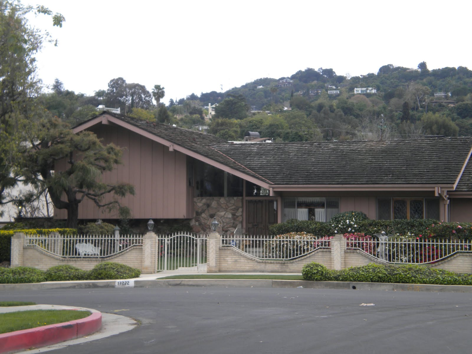 Tidbits Of Wisdom The Brady Bunch House
