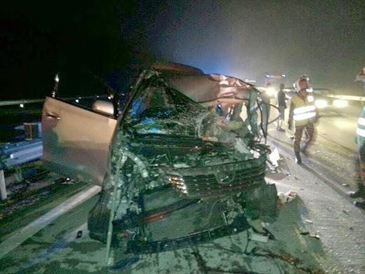 2 Gambar Wanita maut Toyota Vellfire rempuh treler di Lebuhraya PLUS pagi tadi