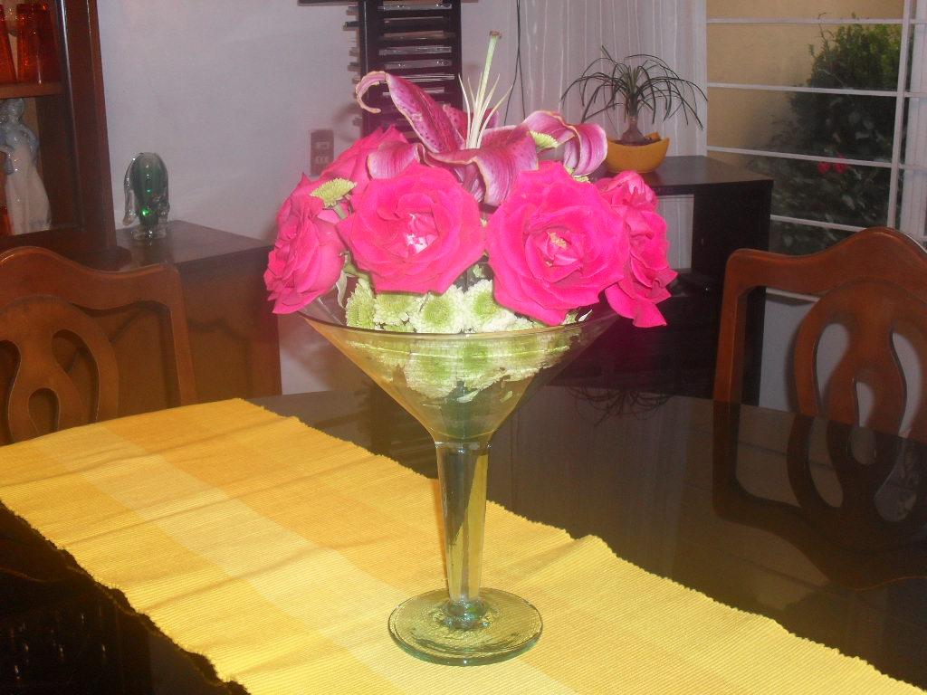 Arreglo De Flores En Copas