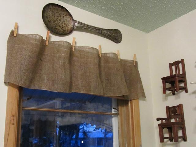 CLEARANCE Christmas Burlap Garland No Sew Valances www.organizedclutterqueen.blogspot.com