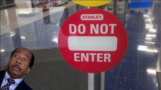Stanley isn't Welcome at Best Buy, funny best buy sign, funny signs picture