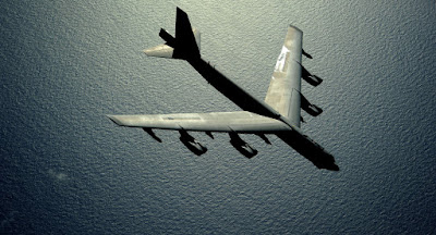 la-proxima-guerra-eeuu-prepara-un-b-52-para-corea-del-sur-y-un-submarino-nuclear