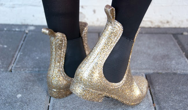 jelly shoes, juju shoes, chelsea boots, glitter