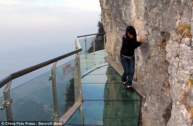 Glass walkway on Tianmen Mountain