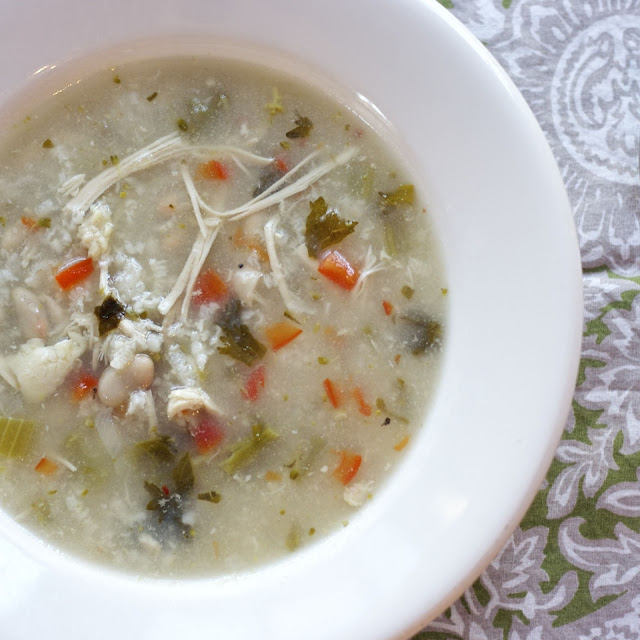 Italian White Bean Chicken Soup: simplelivingeating.com