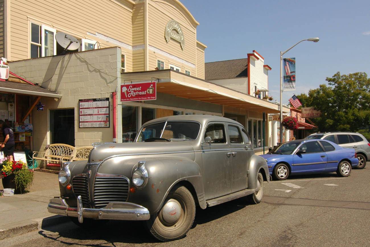 Old Parked Cars 1941 Plymouth Special Deluxe For Sale October 5 2014