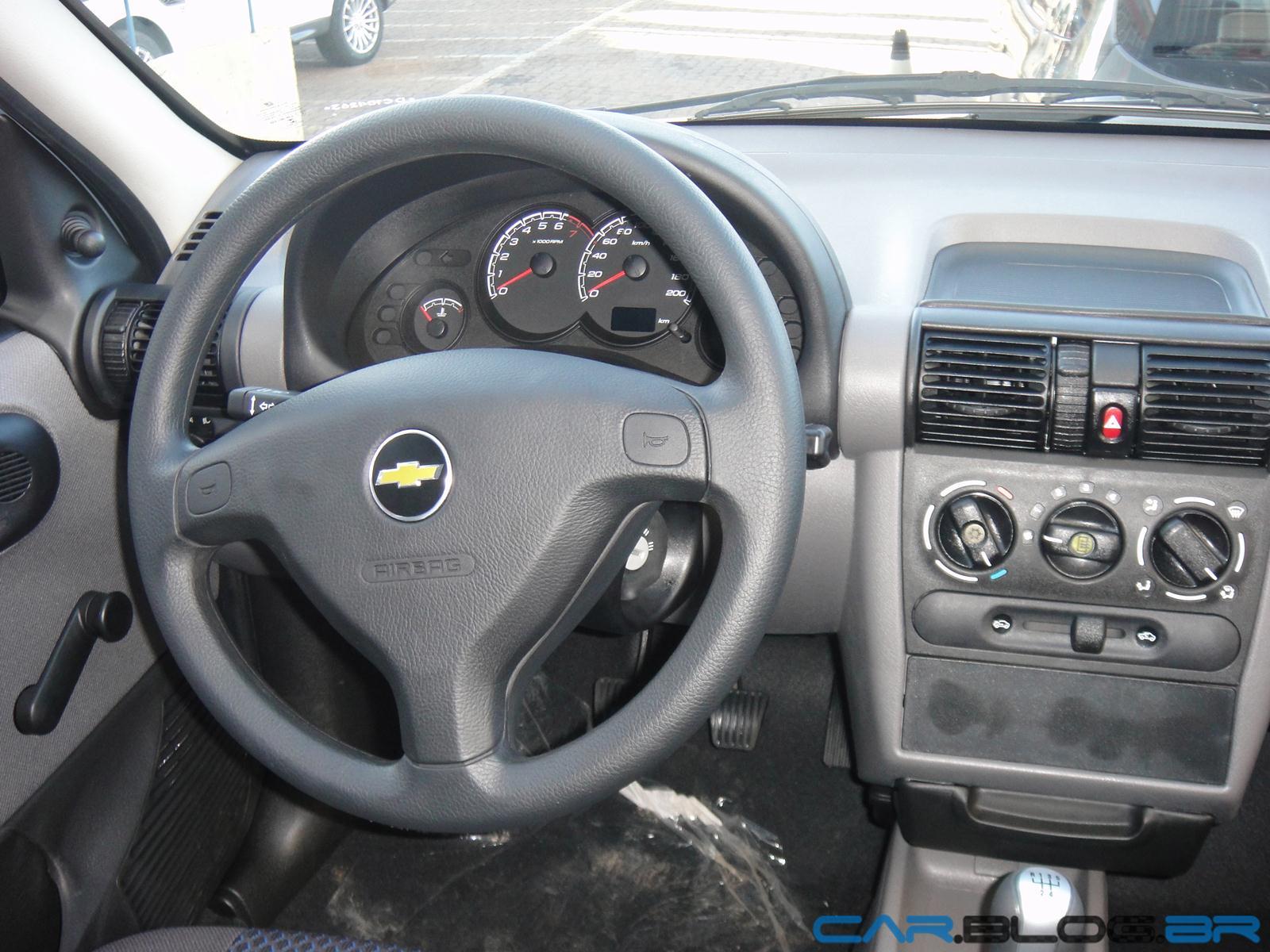 Chevrolet classic 2013 com abs e air bag j est nas for Interno j