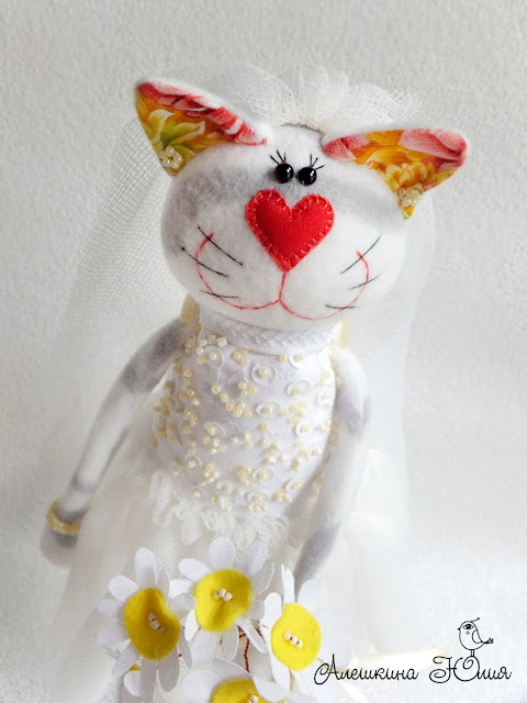 Кошечка невеста - авторская игрушка