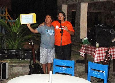 André Neves e Lia Kutelak na entrega dos certificados