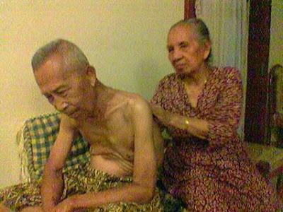 Gambar Nenek Dan Kakek Lucu