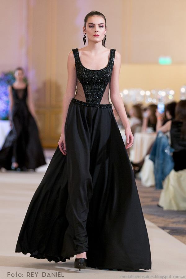Diseñador de alta costura , Haute Couture , Vestidos de novia. Atelier 4702,8473, Vuelta de Obligado 4018 , Capital Federal E,mail info@darioarbina.com.ar