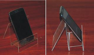 Podstawka z plexi na telefon
