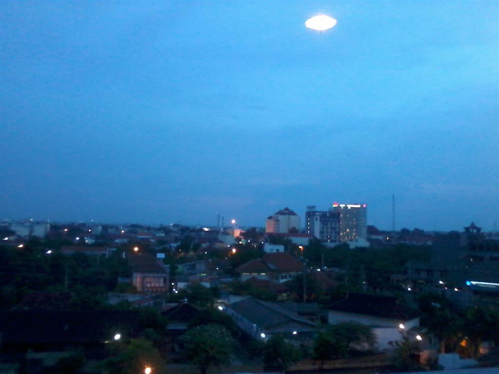 Pemandanga Kota Solo, Jawa Tengah, Hotel Sahid Jaya Solo.