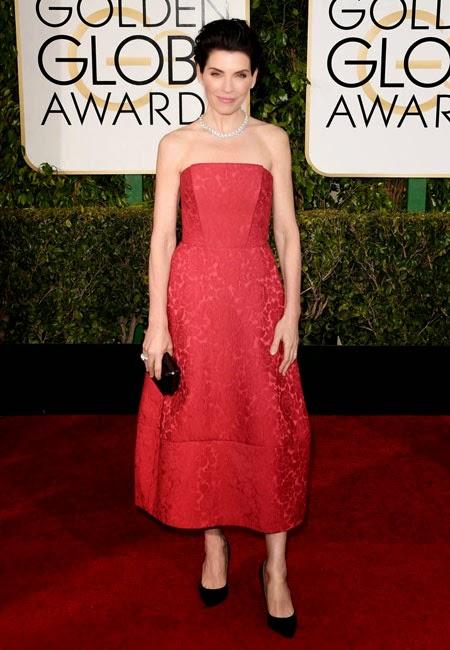Джулиана Маргулис в червена рокля на наградите Златен глобус 2015