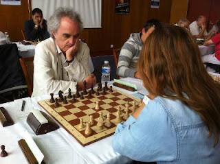 Echecs à Dieppe : le double champion de France Nicolas Giffard face à Tatiana Kostiuk © Chess & Strategy
