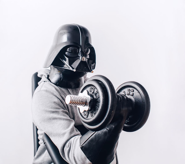 Darth Vader във фитнеса